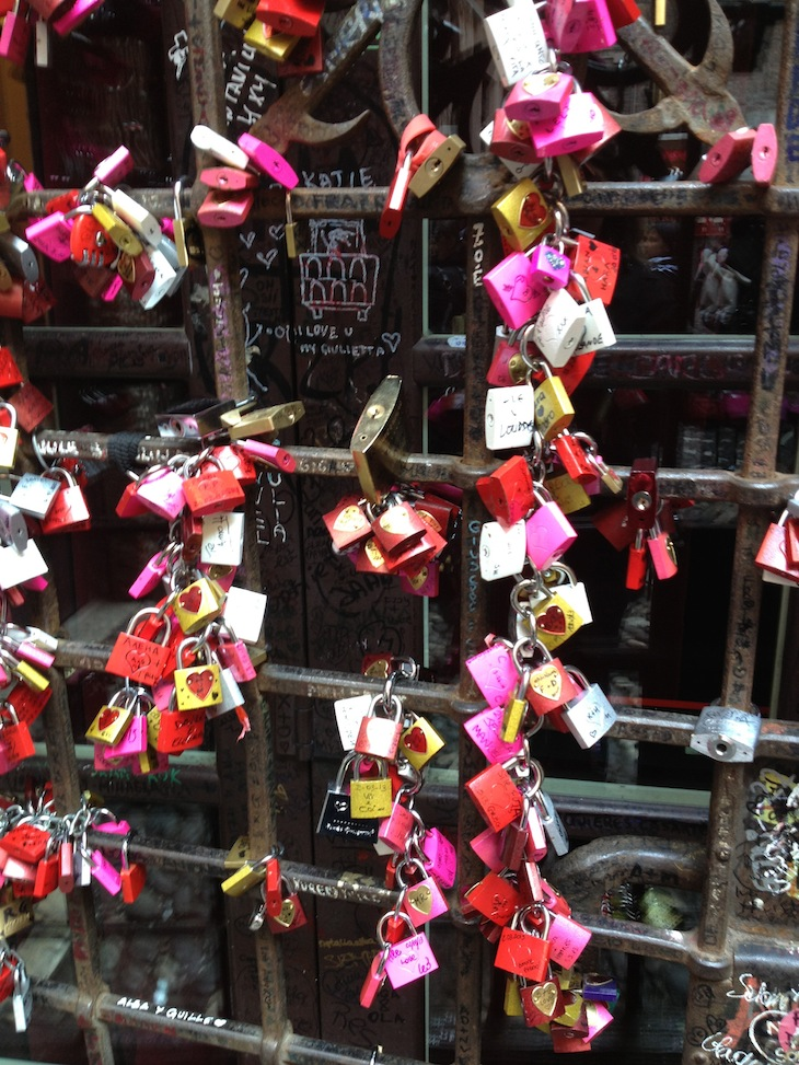 Cadeados como declaração de amor eterno