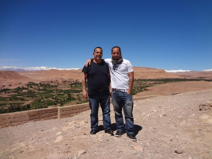 João Leitão e o pai em Ait Benhaddou_DR