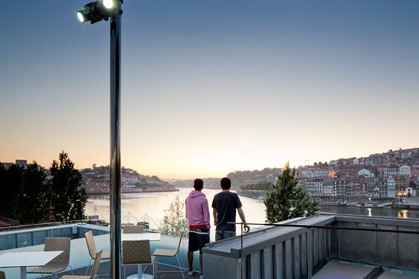 DeCastro e Lounge Terrace 360º no Porto Cruz