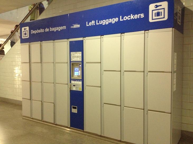 Deixar as malas na estação da Trindade no Porto © Viaje Comigo