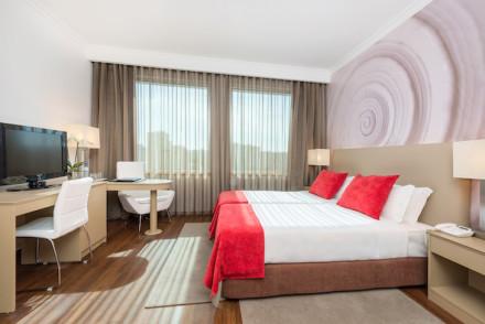 Quarto Standard no Hotel Tryp Lisboa Oriente DR