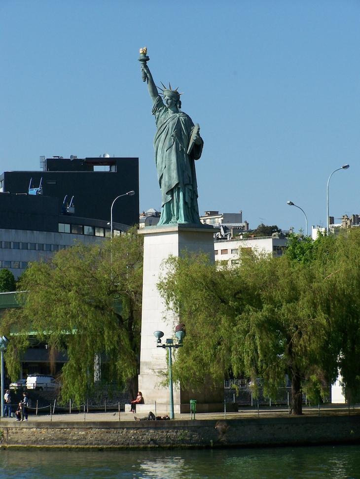 Estátua da Liberdade, em Paris © Viaje Comigo