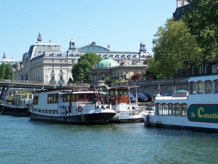 Passeio de barco no rio Sena, Paris