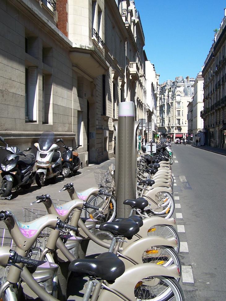 Bicicletas para alugar, em Paris