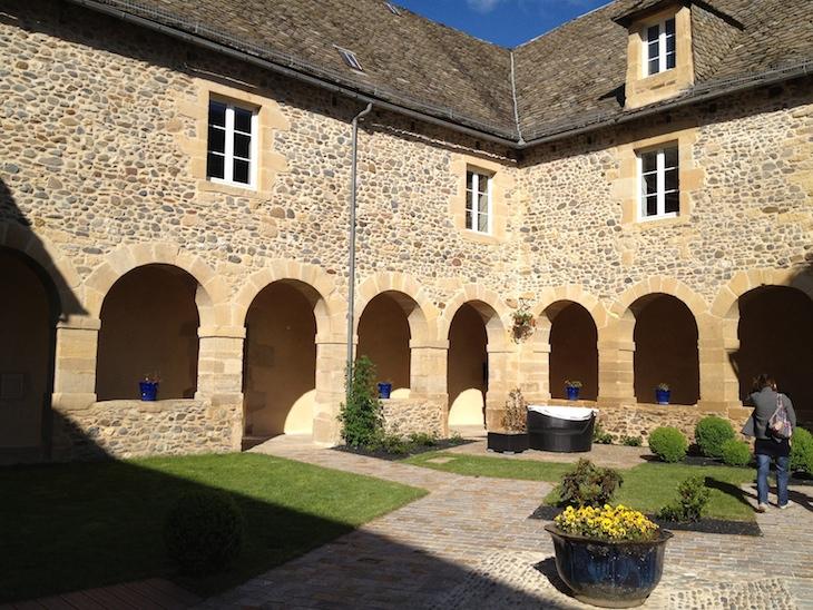 Relais du Silence Chateau de la Falque, St-Geniez-d'Olt, Aveyron, França