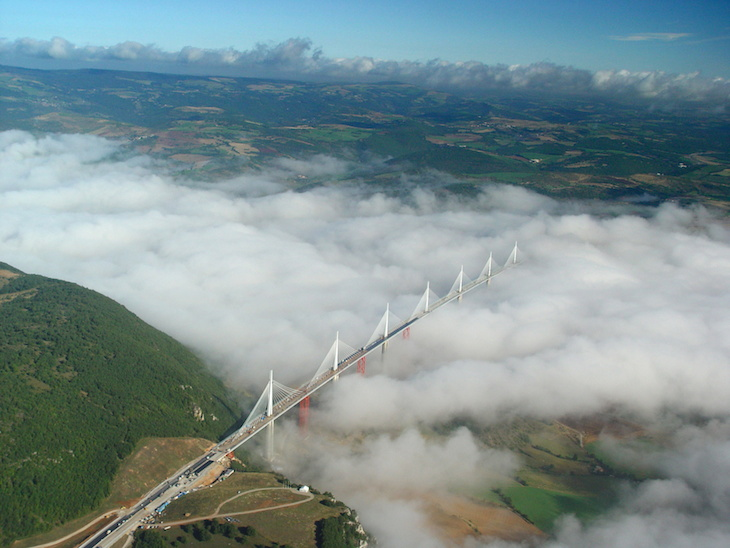 Viaduto de Millau, Aveyron, França - Foto: Direitos Reservados