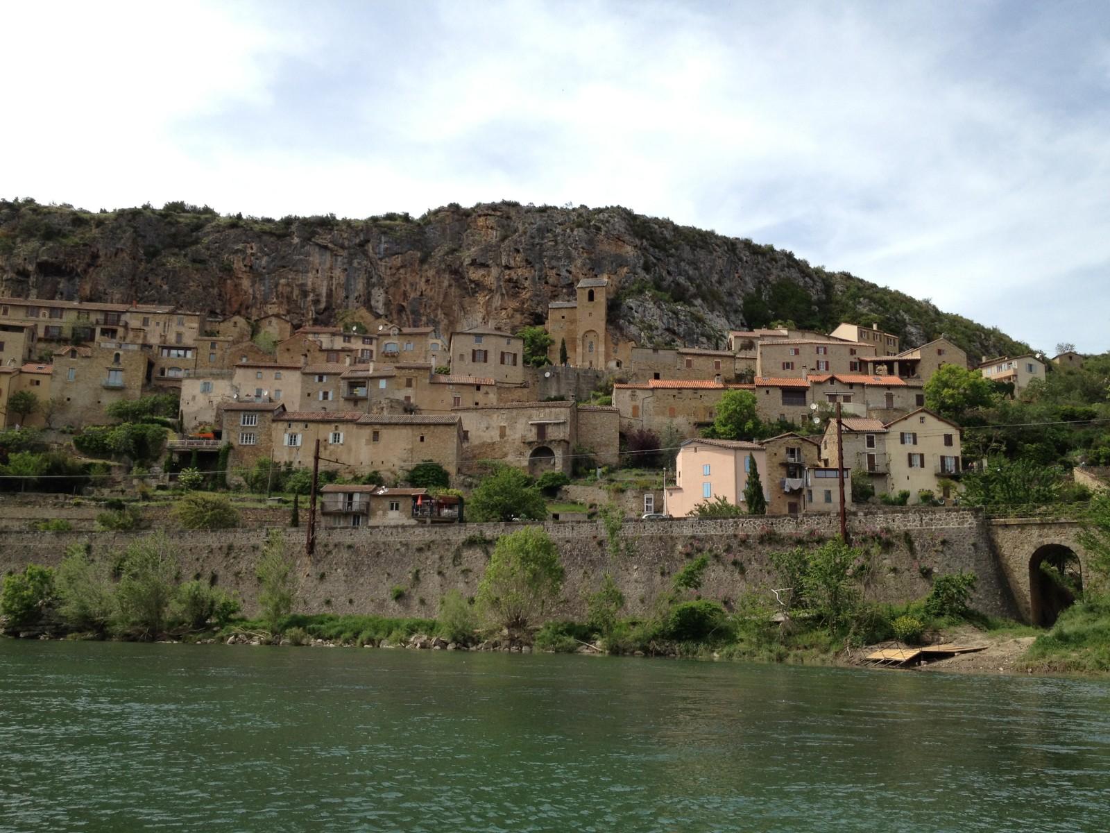 Aldeia de Peyre - Bateliers su Viaduc - Millau - Aveyron © Viaje Comigo