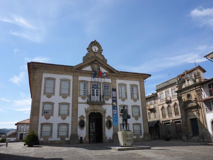 Câmara Municipal de Chaves © Viaje Comigo