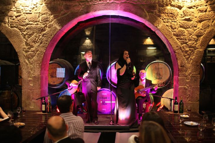 Caves Cálem_Fado in Porto (2)