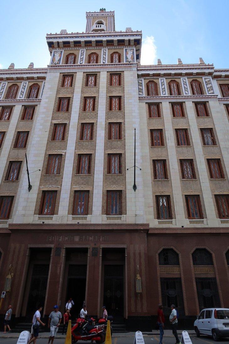 Edifício Bacardi - Havana - Cuba © Viaje Comigo