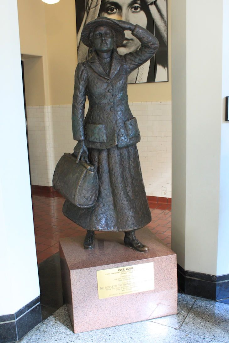 Estátua de Annie Moore