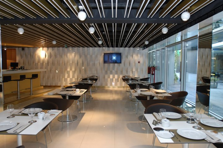 Futebol  restaurantes para ver a bola no Porto  81a8fb8976b5f