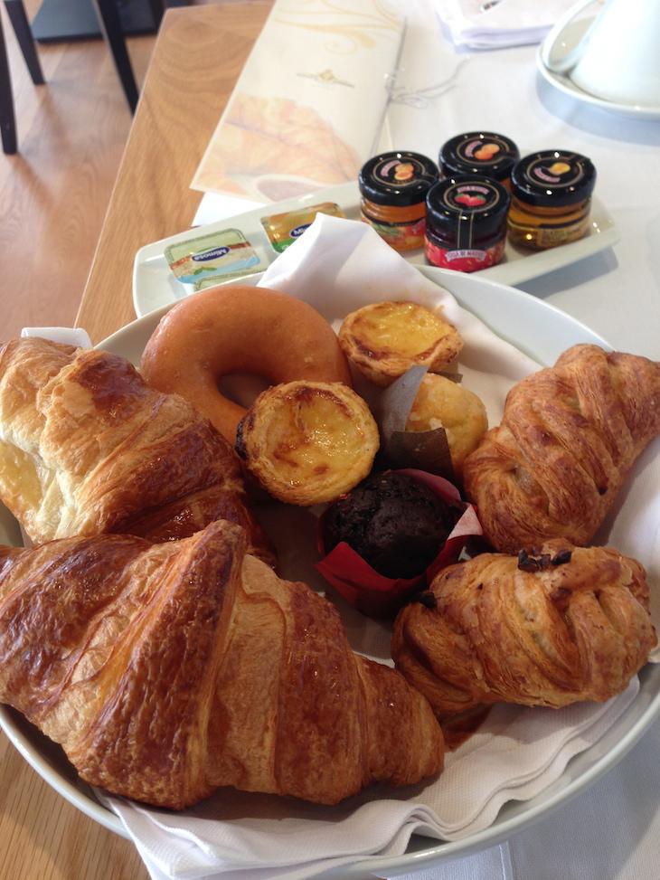 Parte do pequeno-almoço do Alentejo Marmòris Hotel