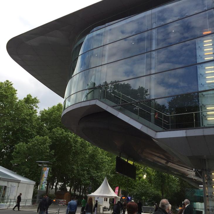 Palácio de Congressos - modernidade no centro de Tours