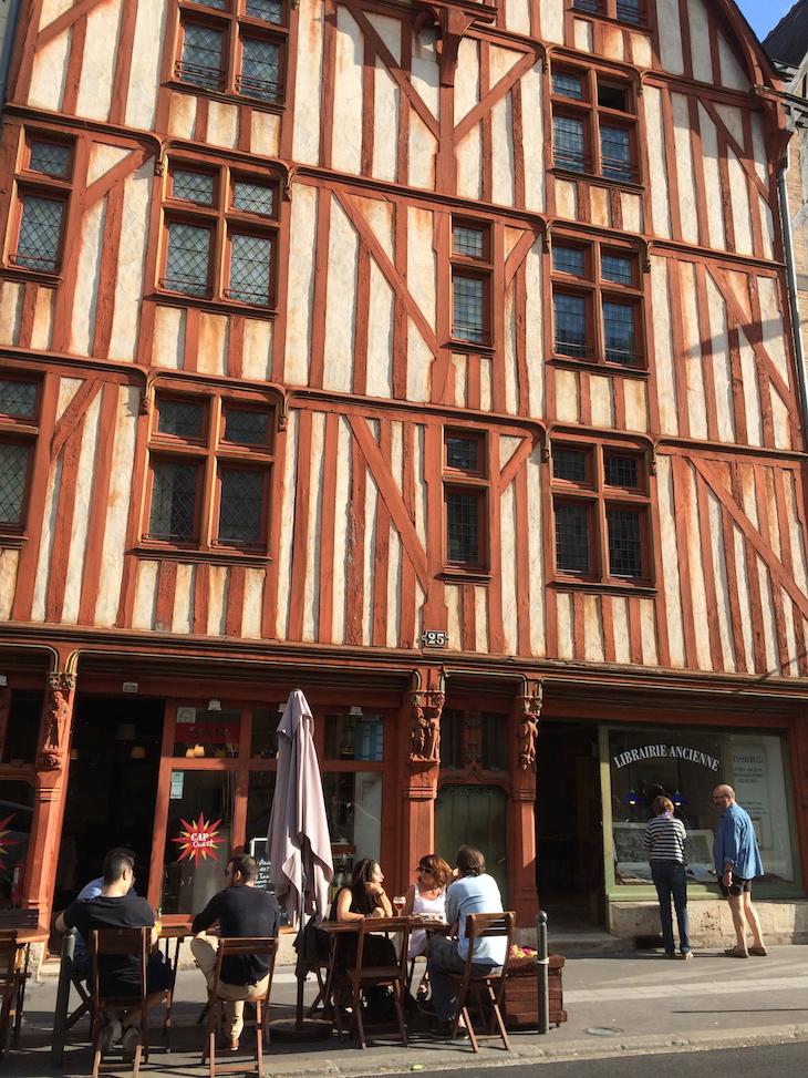Casa de madeira, Tours