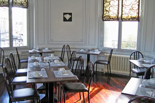 Pequeno-almoço no Grand Hotel Tours