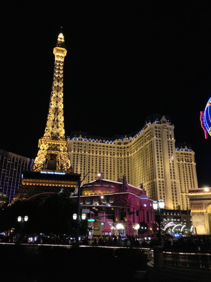 Paris à noite em Las Vegas