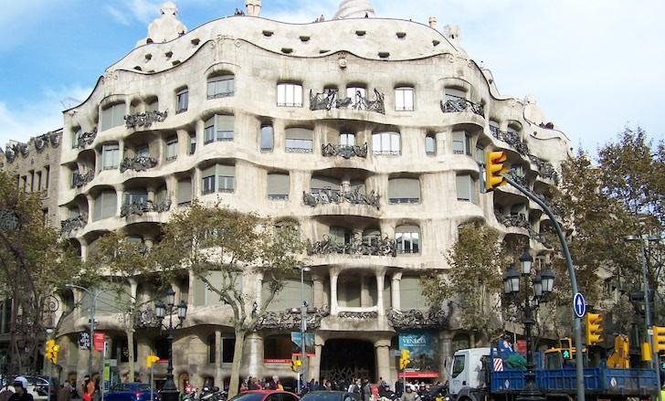 La Pedrera / Casa Milá, Barcelona © Viaje Comigo