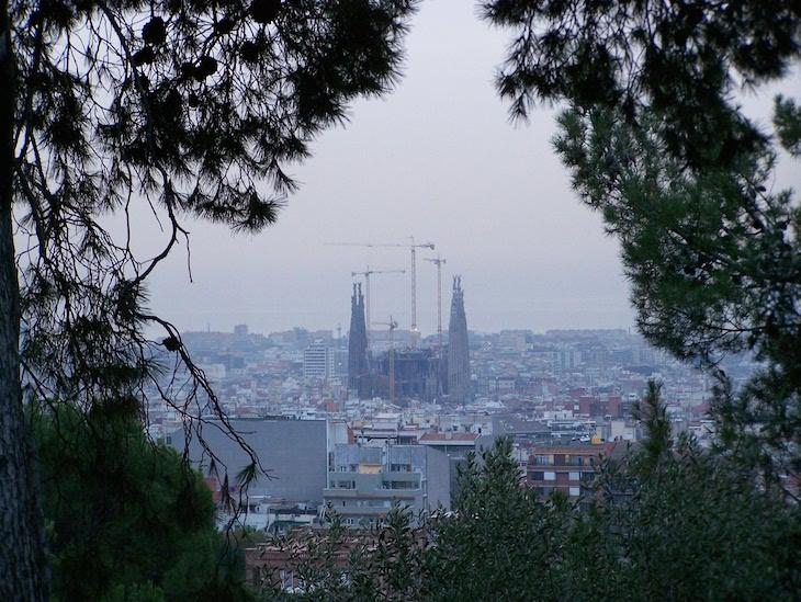 Sagrada Família ao longe, Barcelona © Viaje Comigo