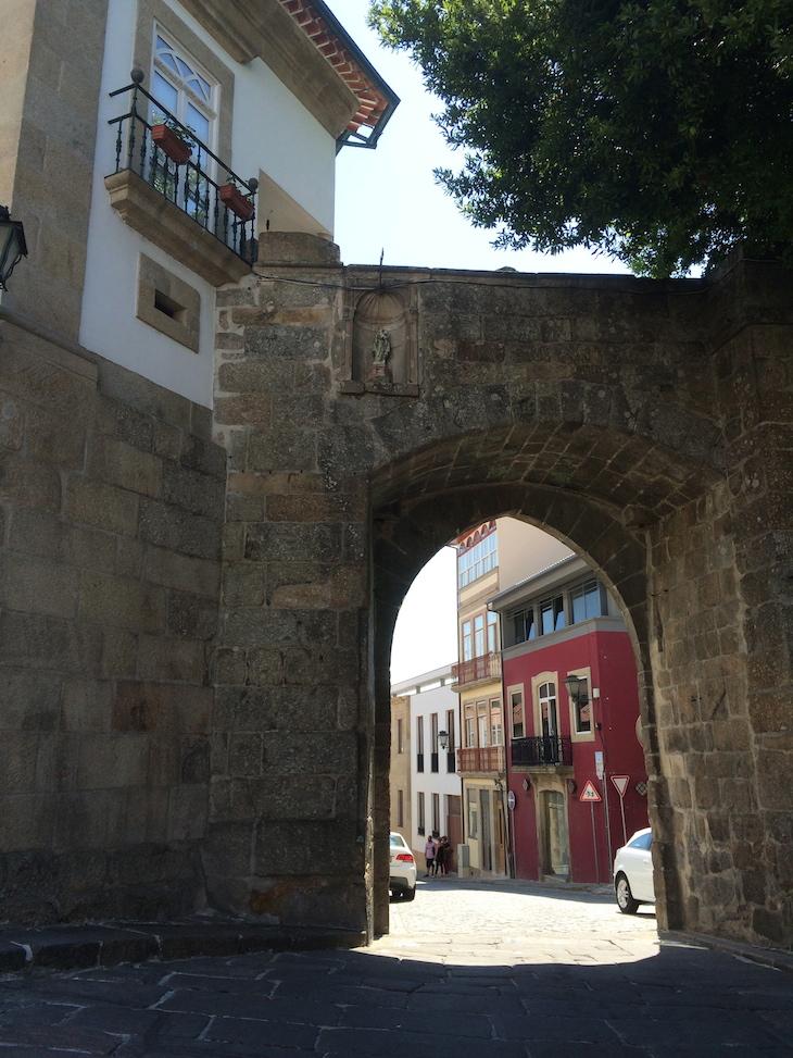 Porta do Soar de Cima, Muralha de Viseu © Viaje Comigo