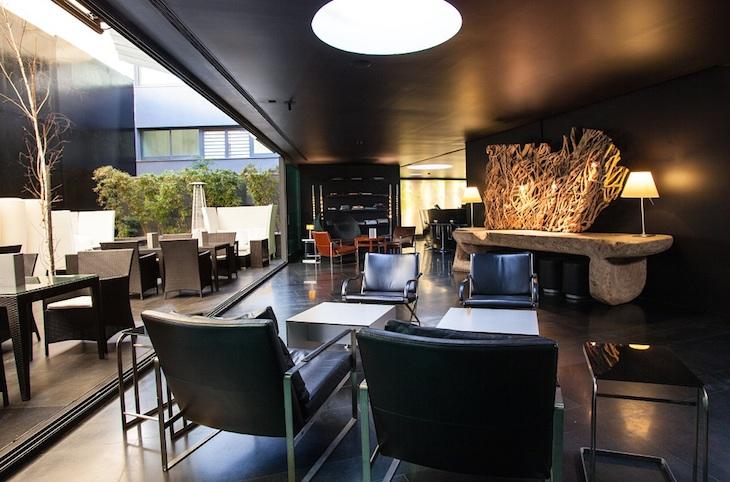 Bar Lounge do DoubleTree by Hilton Lisbon Fontana Park