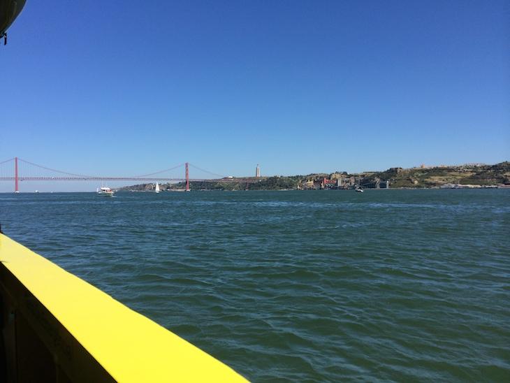 HIPPOtrip em Lisboa - dentro do rio Tejo
