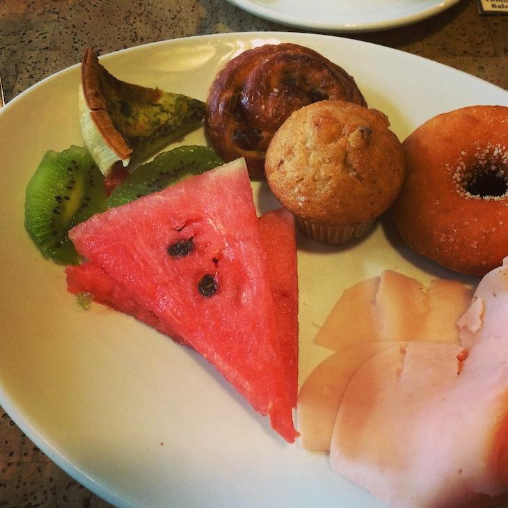 Pequeno-almoço no Inspira Santa Marta Hotel