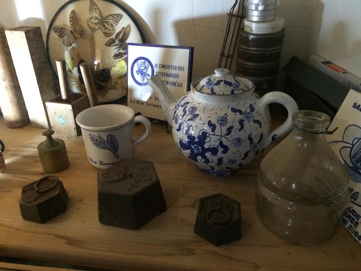 Objetos antigos na Fábrica de Chá Gorreana