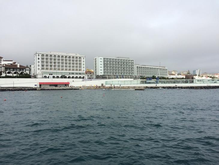 Vista para a piscina natural - Ponta Delgada