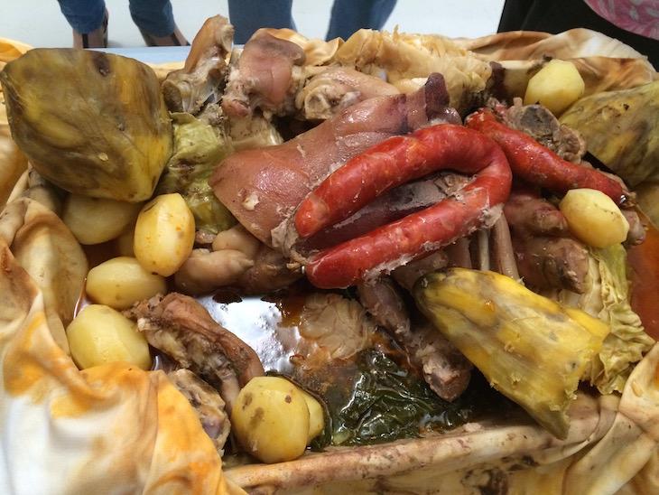 Cozido tradicional nas Caldeiras em Ribeira Grande