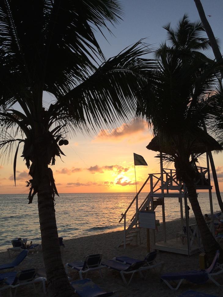 Pôr do sol na praia do Be Live Canoa, Bayahibe, República Dominicana