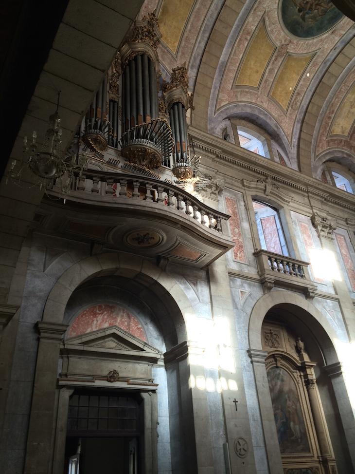 Dentro da Igreja do Bom Jesus