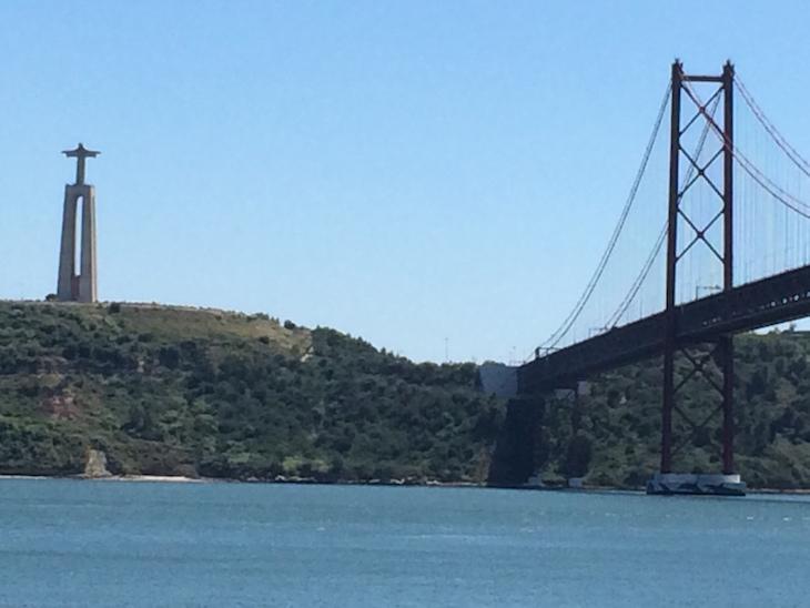 Cristo Rei e Ponte 25 de Abril - Lisboa