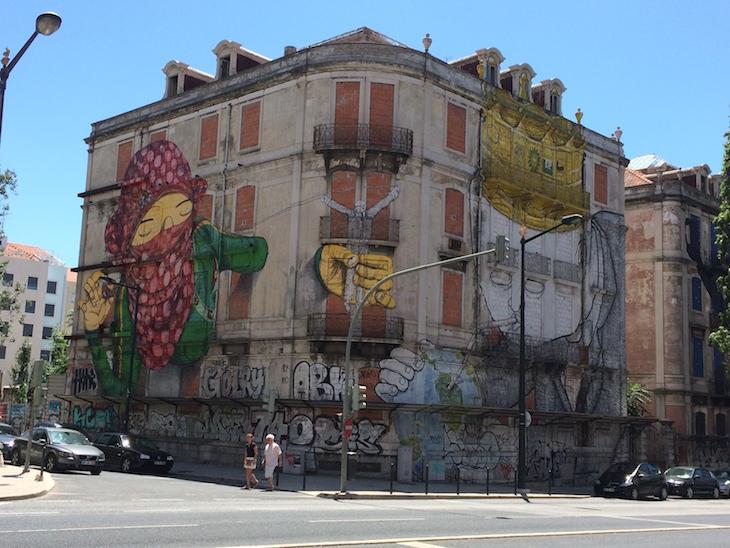 Grafittis na Avenida Fontes Pereira de Melo