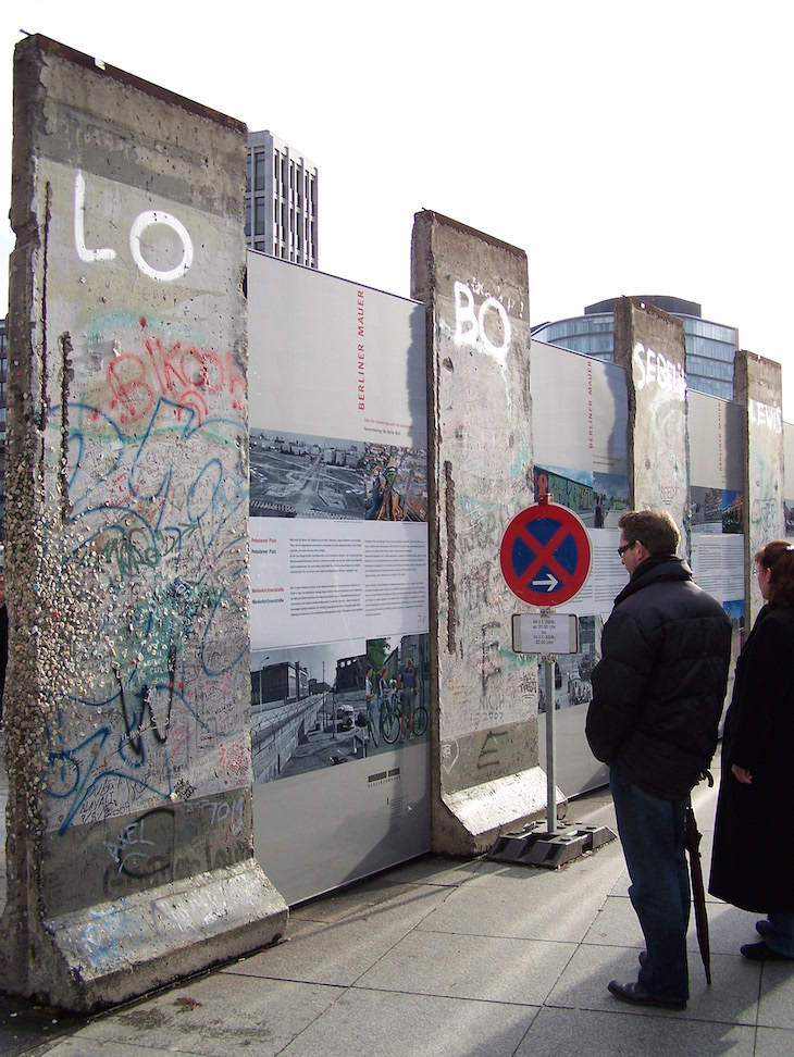 Berliner Mauer / Parte do Muro de Berlim com explicações históricas