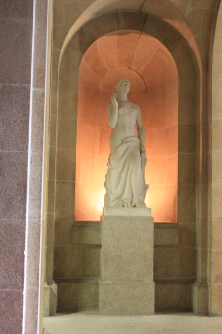 Estátuas na Câmara Municipal do Porto