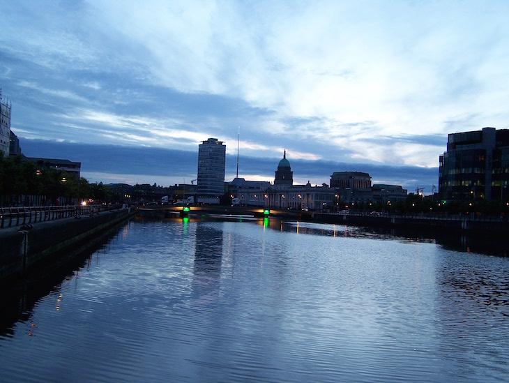 Rio Liffey à noite