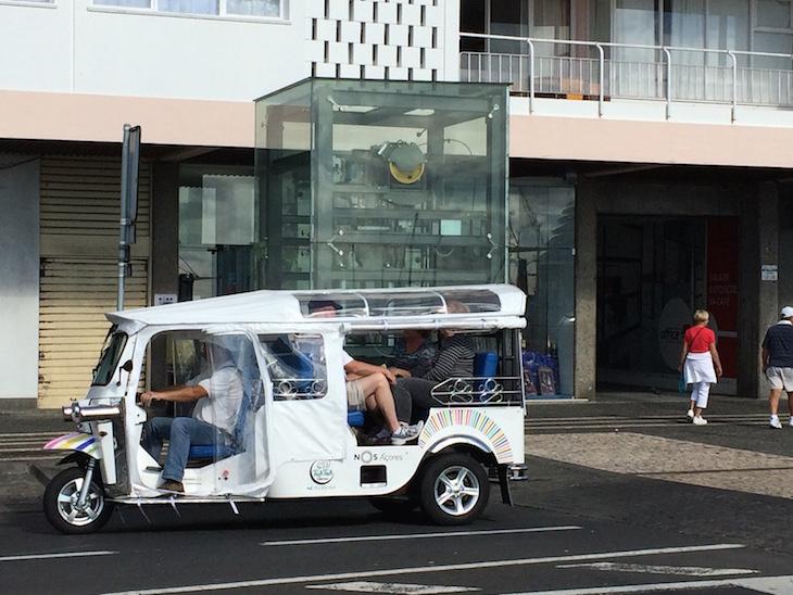 Passeio de Tuk Tuk em Ponta Delgada