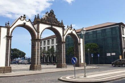 Portas da Cidade - Ponta Delgada - S Miguel - Açores © Viaje Comigo
