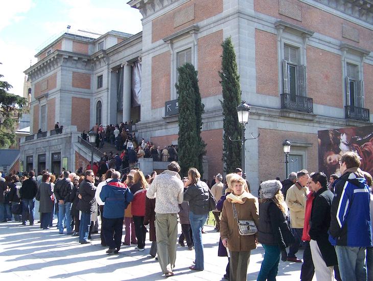 Fila no Museu do Prado, Madrid
