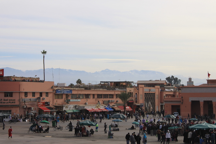 Montanhas a partir de Djemaa El Fna