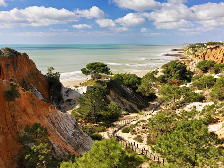 Caminho para a Praia da Falésia no Pine Cliffs Resort, Algarve©