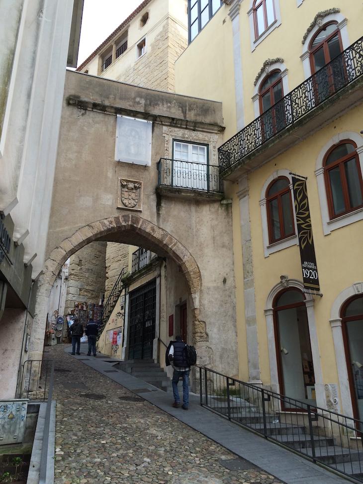 Arco e Porta de Barbacã em Coimbra