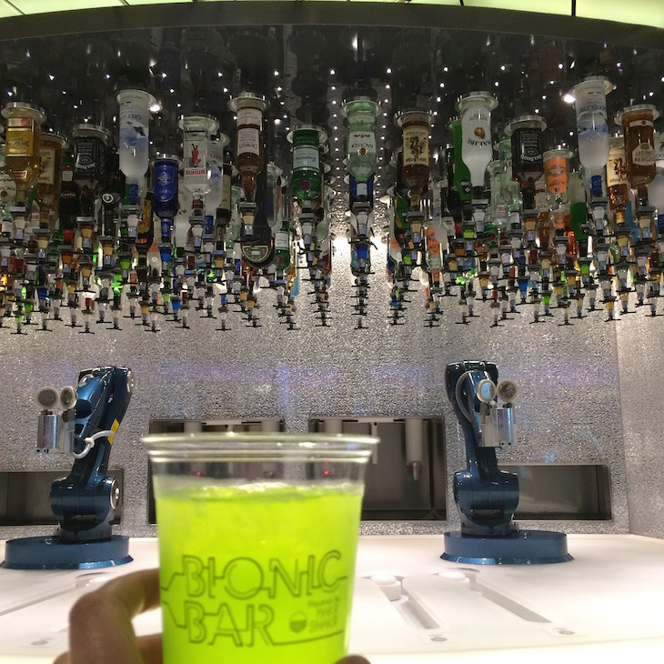 Bionic Bar no Anthem of the Seas ©Viaje Comigo