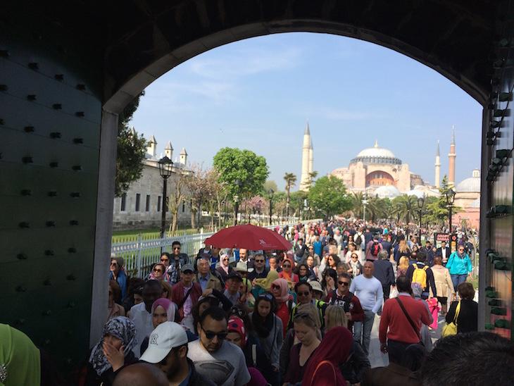 Entrada para Mesquita Azul, Istambul, Turquia © Viaje Comigo
