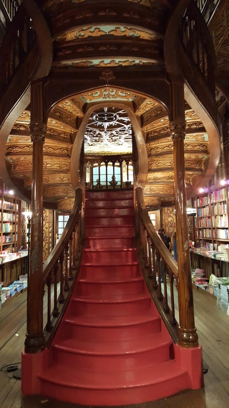 Escadas da Livraria Lello, Porto © Viaje Comigo