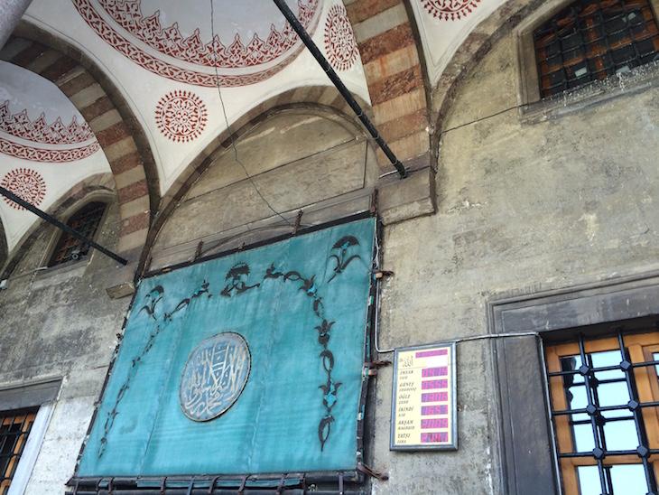 Horas de Orações na Mesquita Azul, Istambul, Turquia © Viaje Comigo