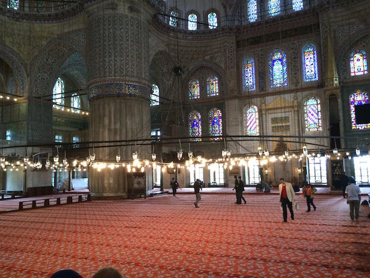 Local de Oração na Mesquita Azul, Istambul, Turquia © Viaje Comigo