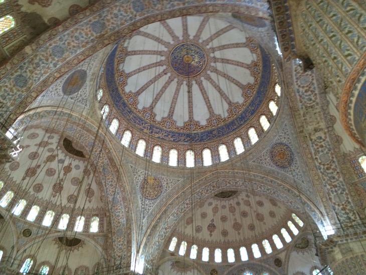 Teto da Mesquita Azul, Istambul, Turquia © Viaje Comigo