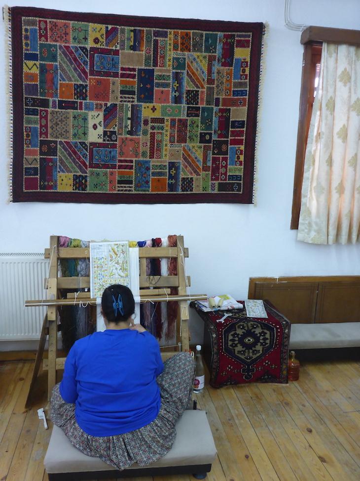 Trabalhar nos tapetes - Bazaar54, Capadócia, Turquia ©Viaje Comigo